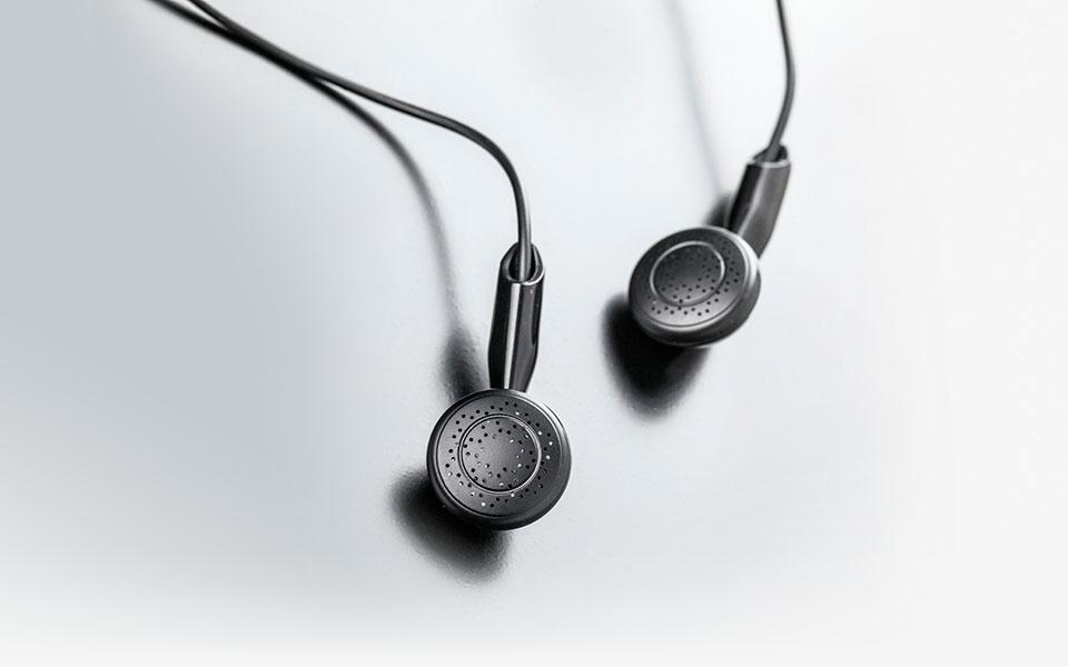 Meze 88 Clics High End Ebony Headphones For The Discerning Audiophile